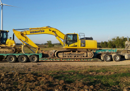 Heavy-Equipment-Floating